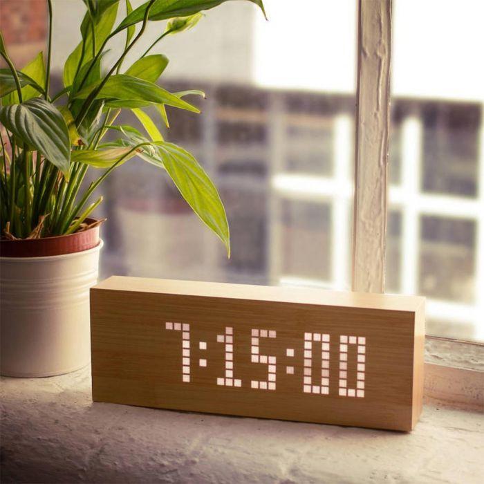 Click Message Clocks aus Holz mit LEDs - Original