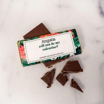 Personalisierbare Schokolade mit Blumenmuster und Text