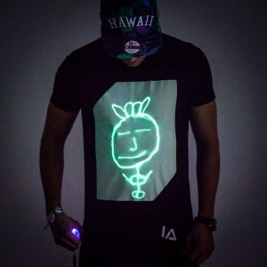 Interaktives Glow T-Shirt
