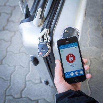 Geburtstagsgeschenk für Freund - Smartes Bluetooth Gepäckschloss