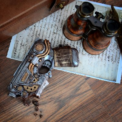 Essen & Trinken - Steampunk-Pistole aus Schokolade