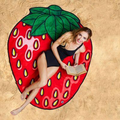 Geschenke für Frauen - Erdbeer Strandtuch