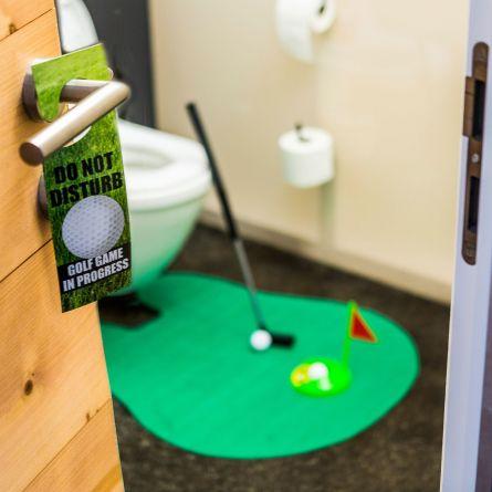 Das ultimative Golfset für die Toilette