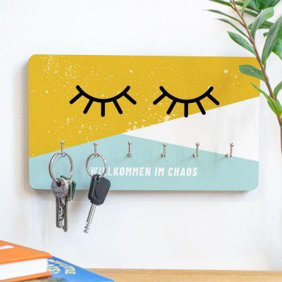 Exklusive Geschenke aus Holz - Personalisierbares Schlüsselbrett Augen zu mit Text