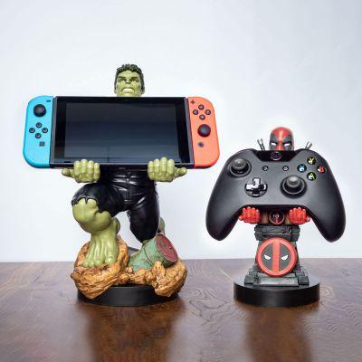 Film & Serien - Marvel Smartphone-Halter mit Ladekabel