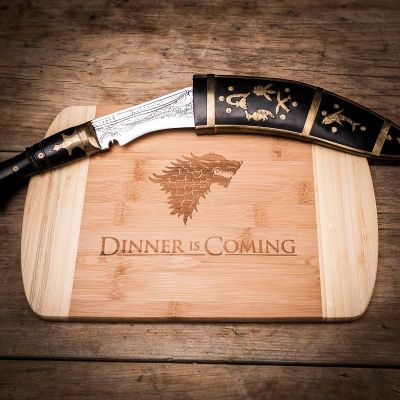 Exklusive Geschenke aus Holz - Dinner is coming Schneidebrett