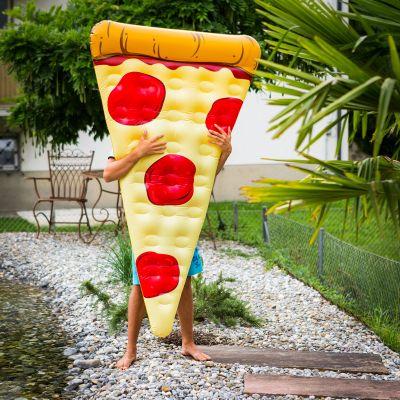Draussen - Pizza Luftmatratze