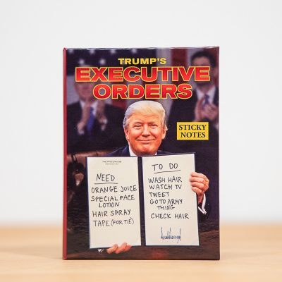 Spass im Büro - Notizzettel mit Verfügungen des Präsidenten